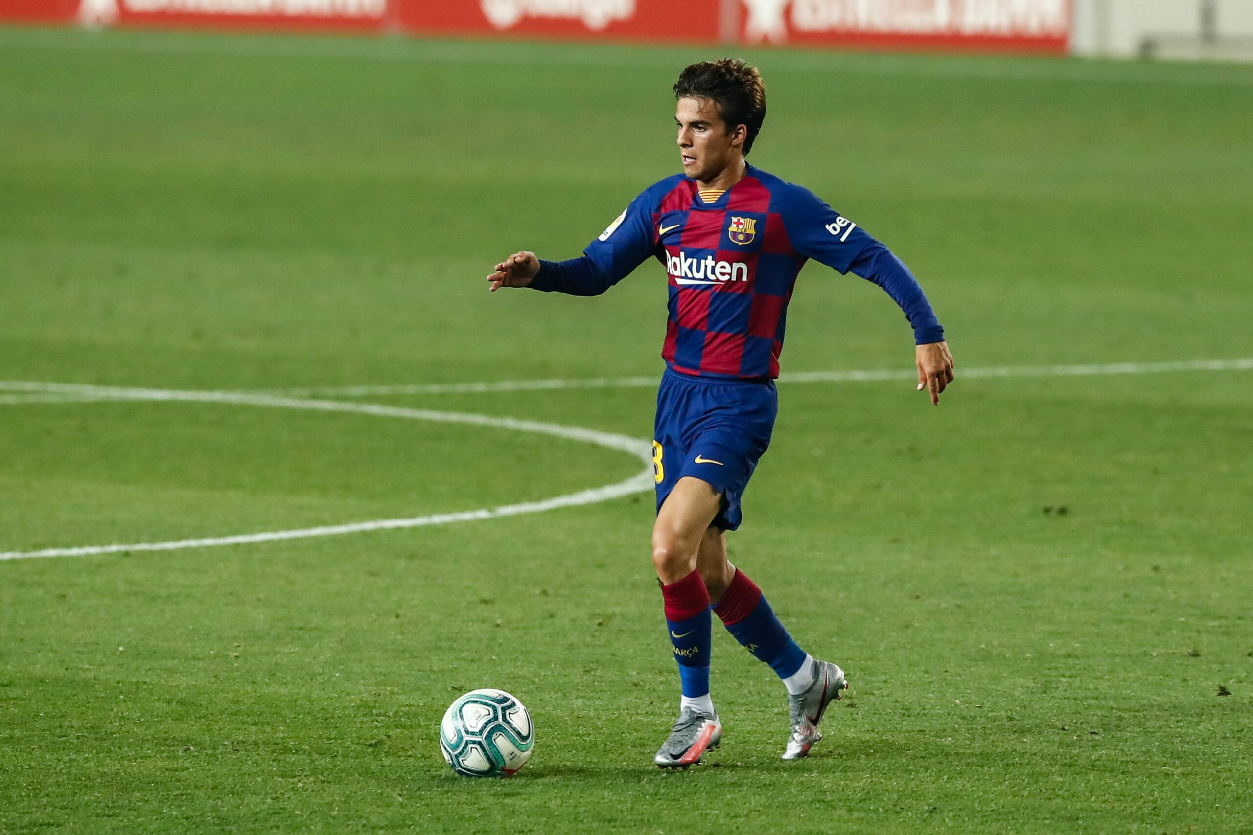 Riqui Puig, durant el partit davant l'Athletic | Europa Press