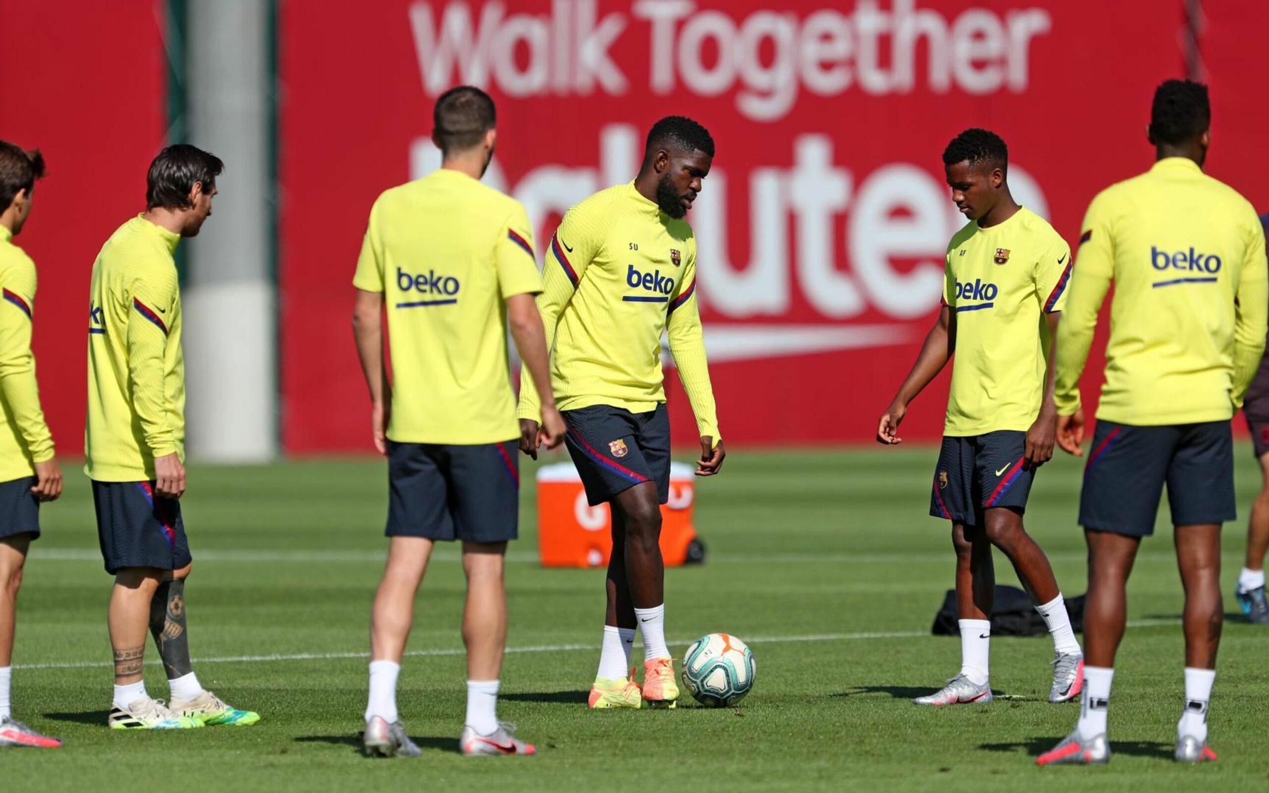 Umtiti, durant l'entrenament   FC Barcelona