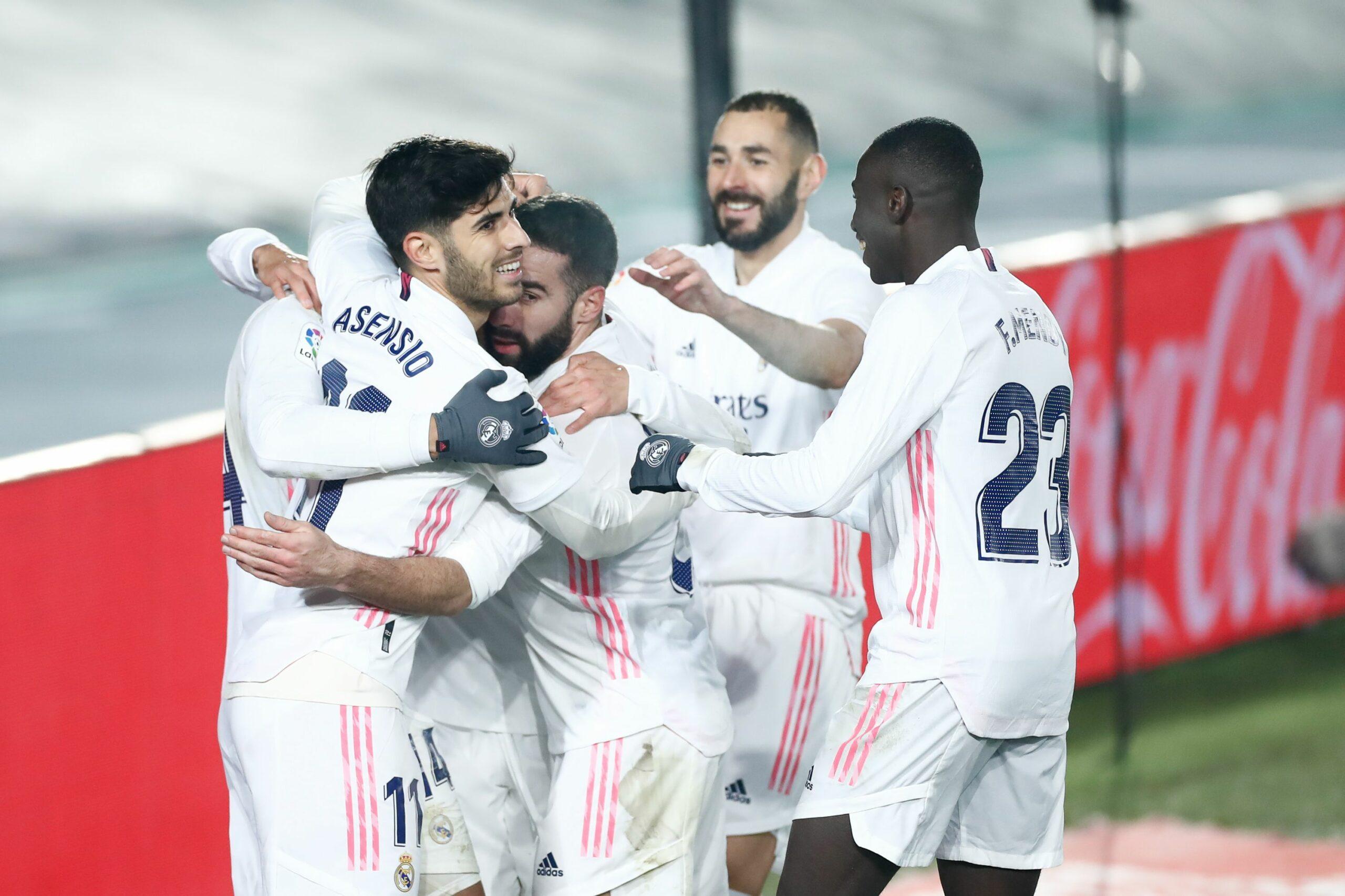 Els jugadors del Madrid celebren el gol de Casemiro contra el Granada | Europa Press