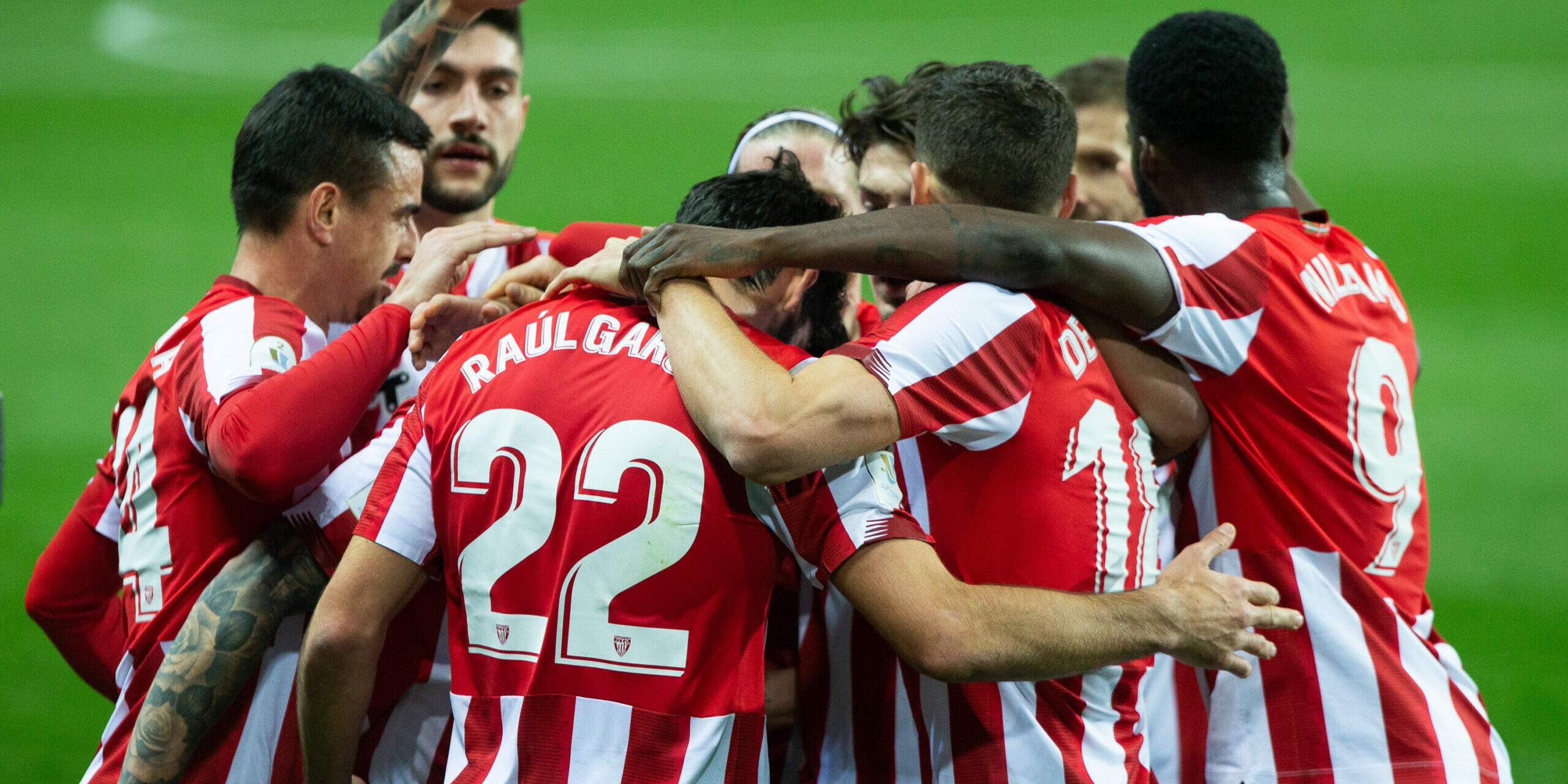 Els jugadors de l'Athletic celebren un dels gols de Raúl García contra el Madrid   Europa Press