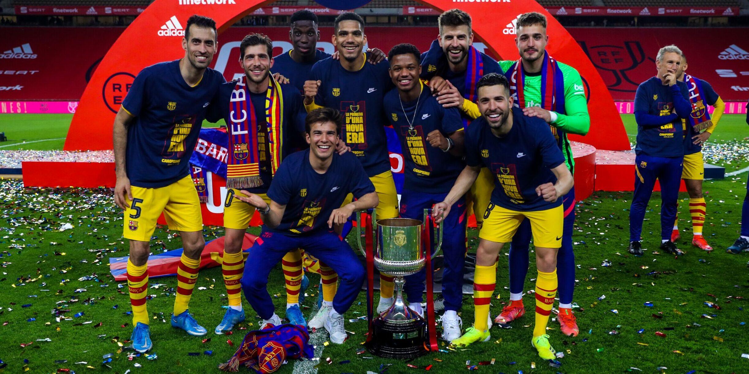 Els jugadors de La Masia celebrant la Copa | FCB
