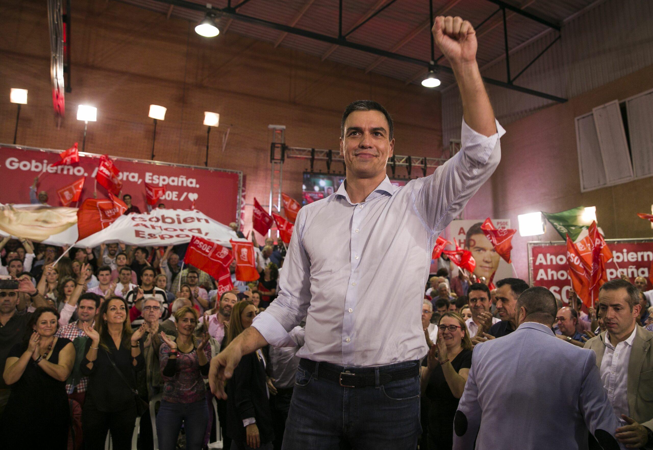 Pedro Sánchez durant l'inici de campanya del PSOE a Sevilla