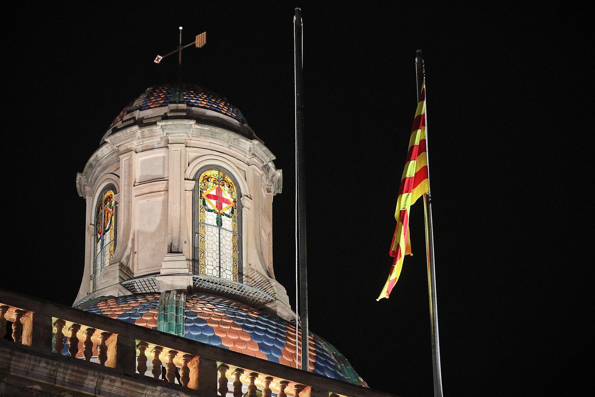 El Palau de la Generalitat sense la bandera espanyola