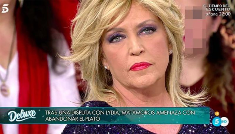 Lydia Lozano, atacada a 'Sábado Deluxe'   Telecinco