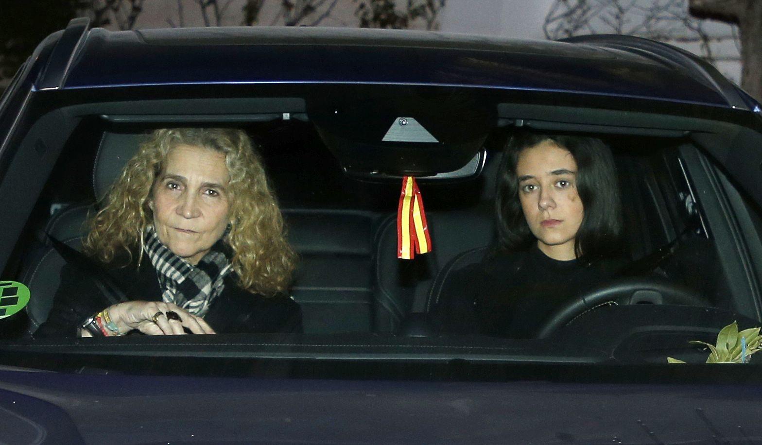 Victoria Federica condueix amb la seva mare   Europa Press