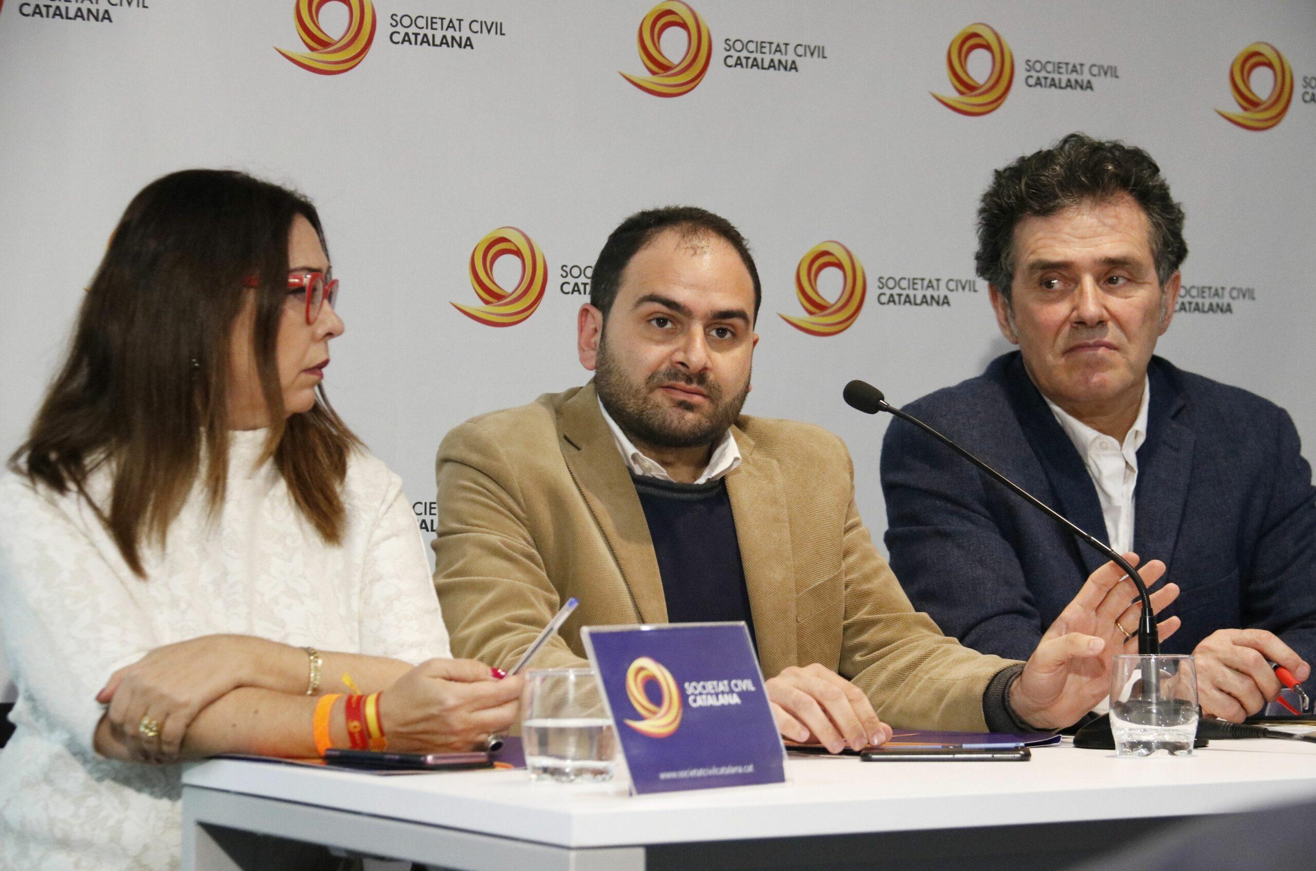 Els representants de SCC durant la roda de premsa (ACN)