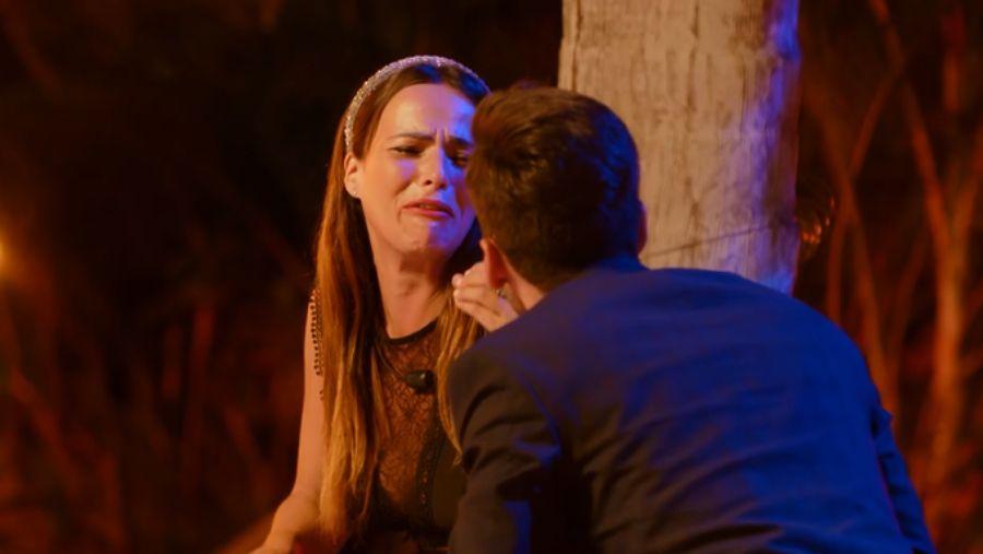 Marta i Lester decideixen tallar   Telecinco