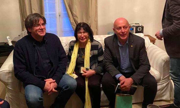 Puigdemont rebut per membres de Oui au Pays Catalan (Cedida: Jordi Vera)