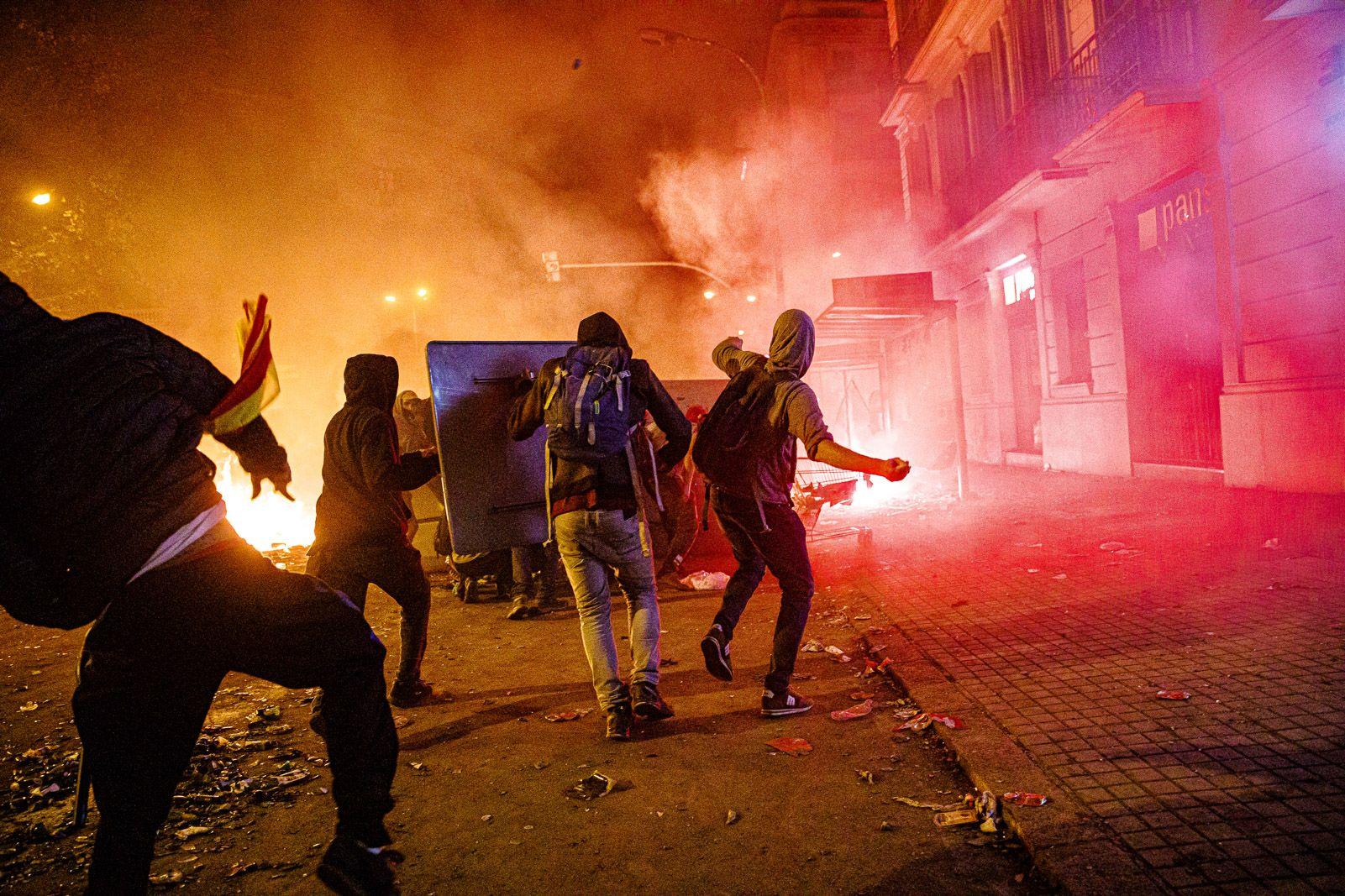 Barcelona, incendiada contra la sente?ncia del Suprem JORDI BORRA?S