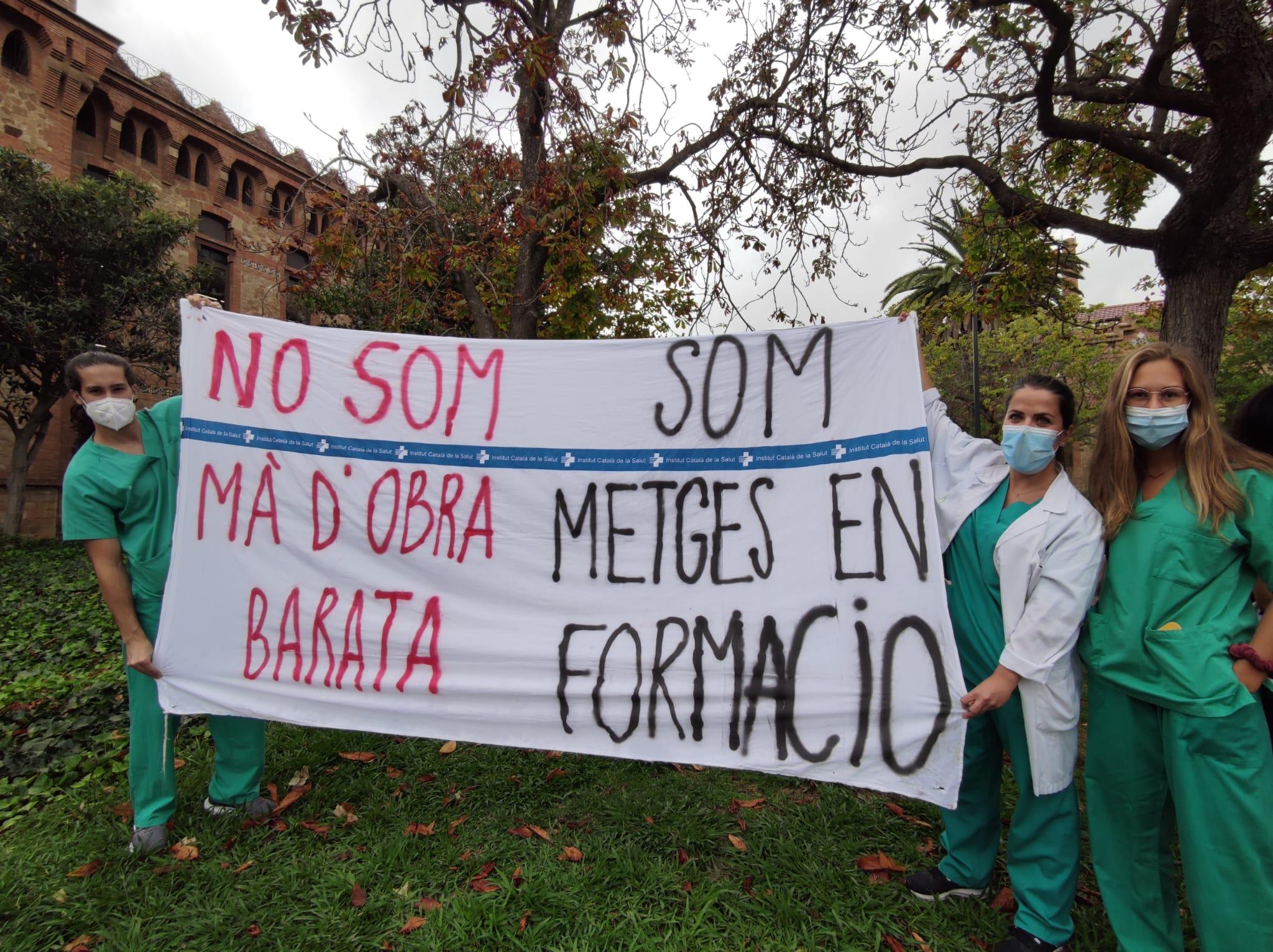 Javier González i Berta Mora reivindiquen que els MIR són metges (J.A.G.)