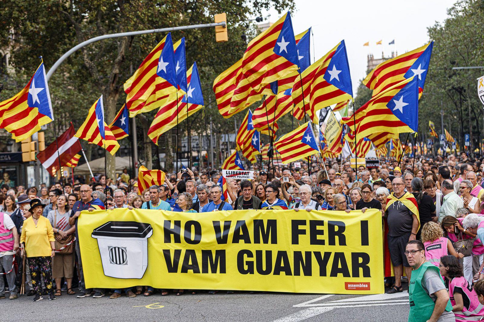 Barcelona reclama la independència en el segon aniversari de l'1-O