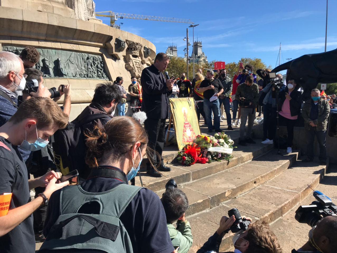 El pare Custodio beneïnt la Verge del Pilar el 12-O a Barcelona (QS)