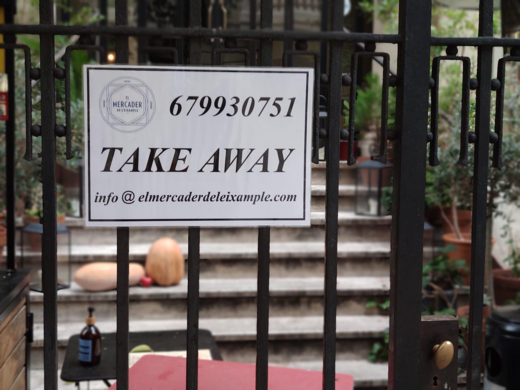 La porta tancada del restaurant El Mercader de Barcelona / J.A.G.