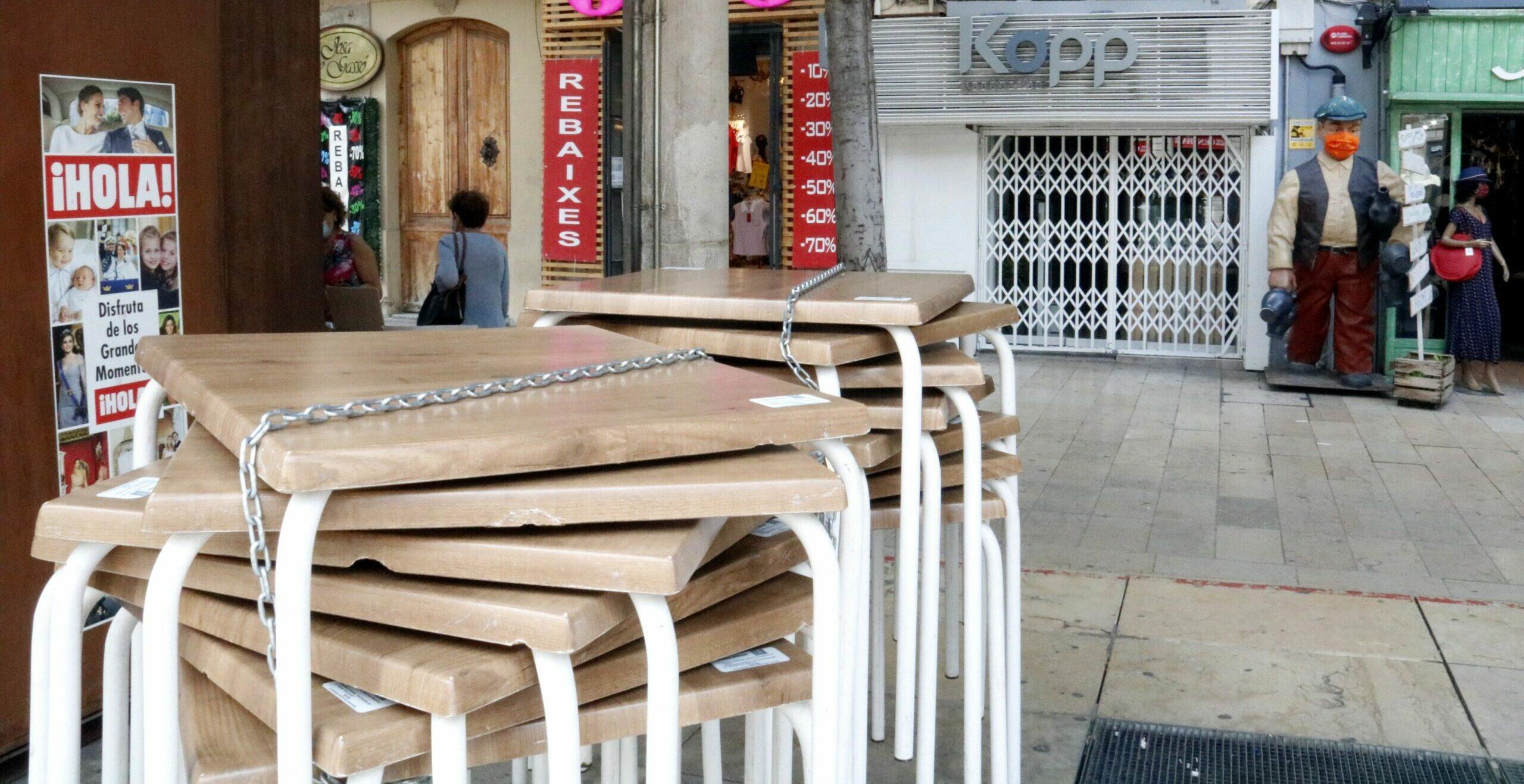 Un bar tancat a l'Eix Comercial de Lleida