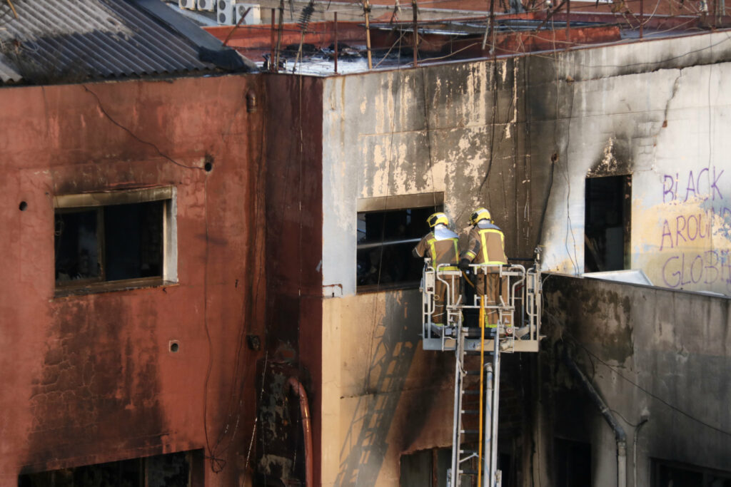 La nau incendiada de Badalona