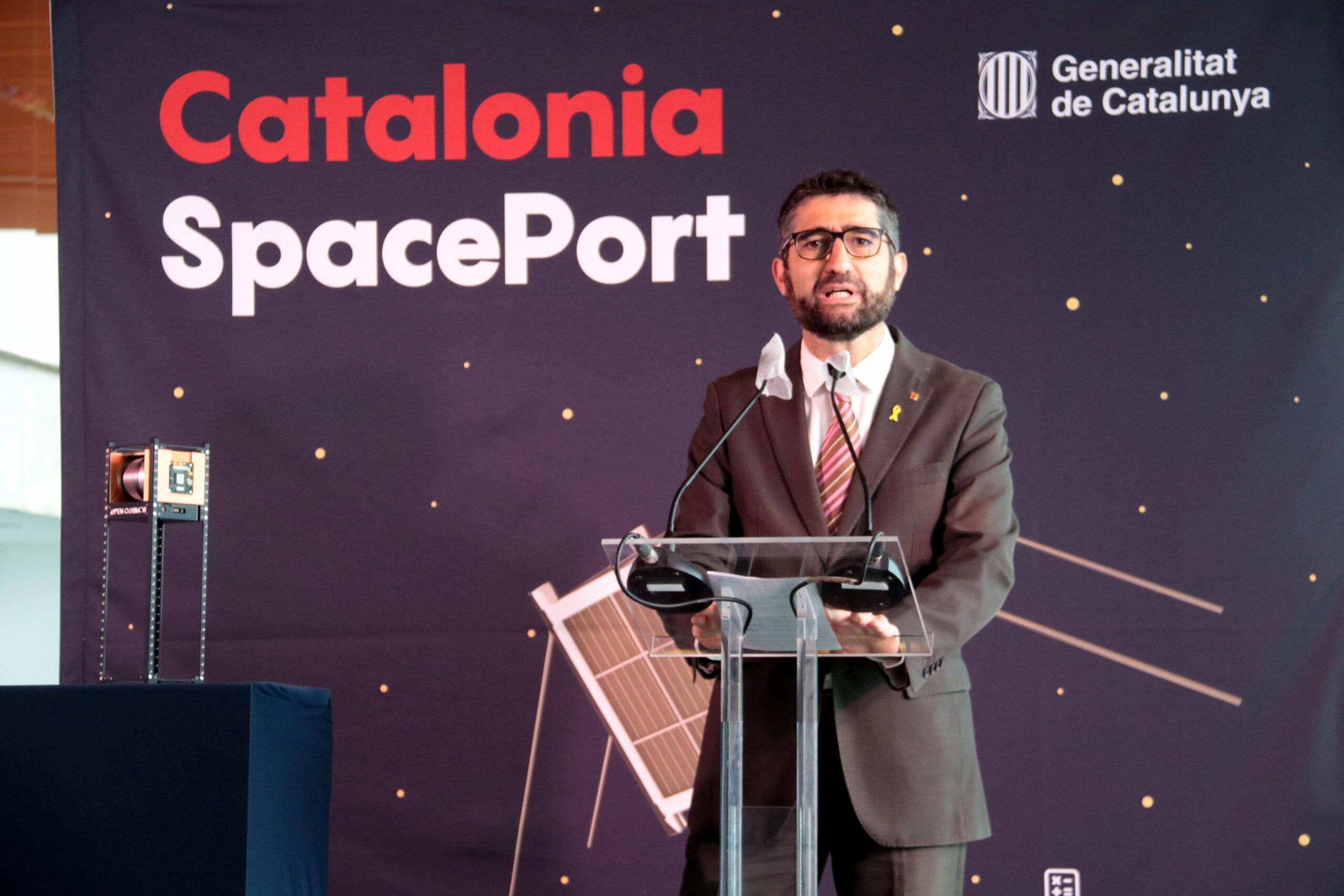 El conseller de Polítiques Digitals i Administració Pública, Jordi Puigneró, presentant el Catalonia SpacePort a l'Aeroport de Lleida-Alguaire, el 18 de desembre del 2020. ACN