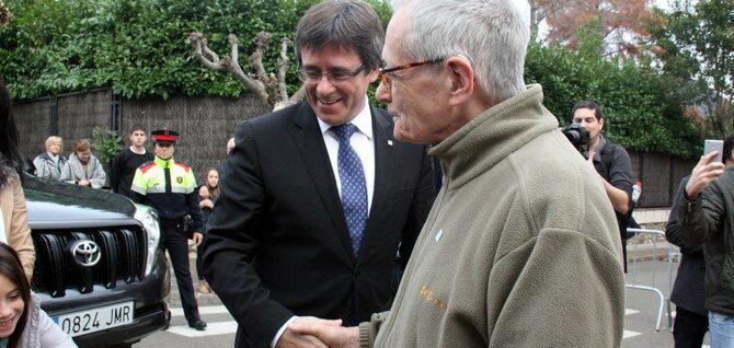Puigdemont i el seu pare a Amer, en una imatge d'arxiu   ACN