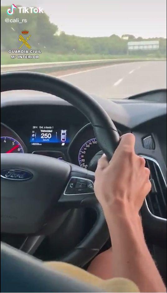 Una imatge del vídeo penjat al Tik Tok