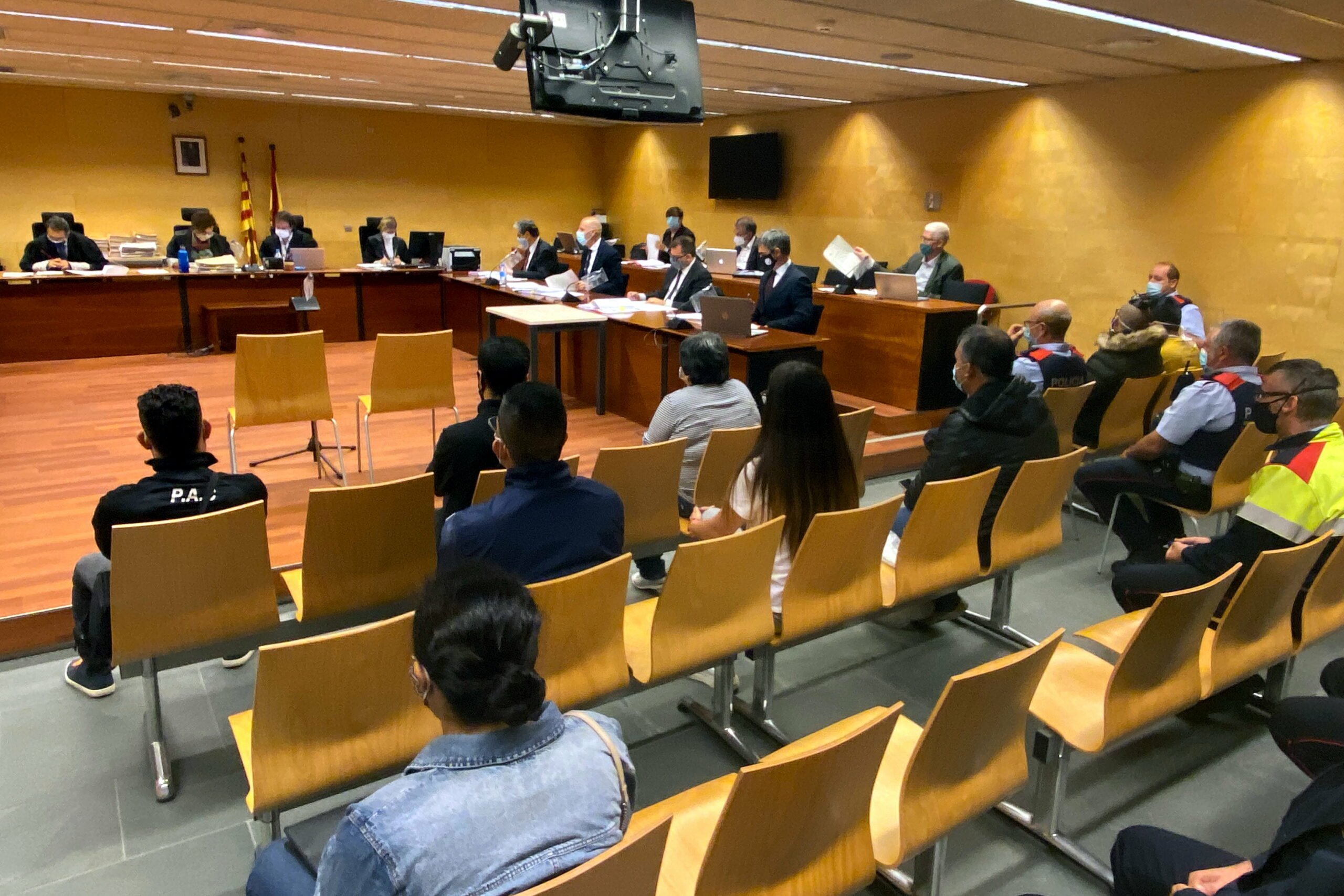 Els vuit acusats jutjats per la seva suposada relació amb una onada de robatoris al Gironès i a la Selva | ACN