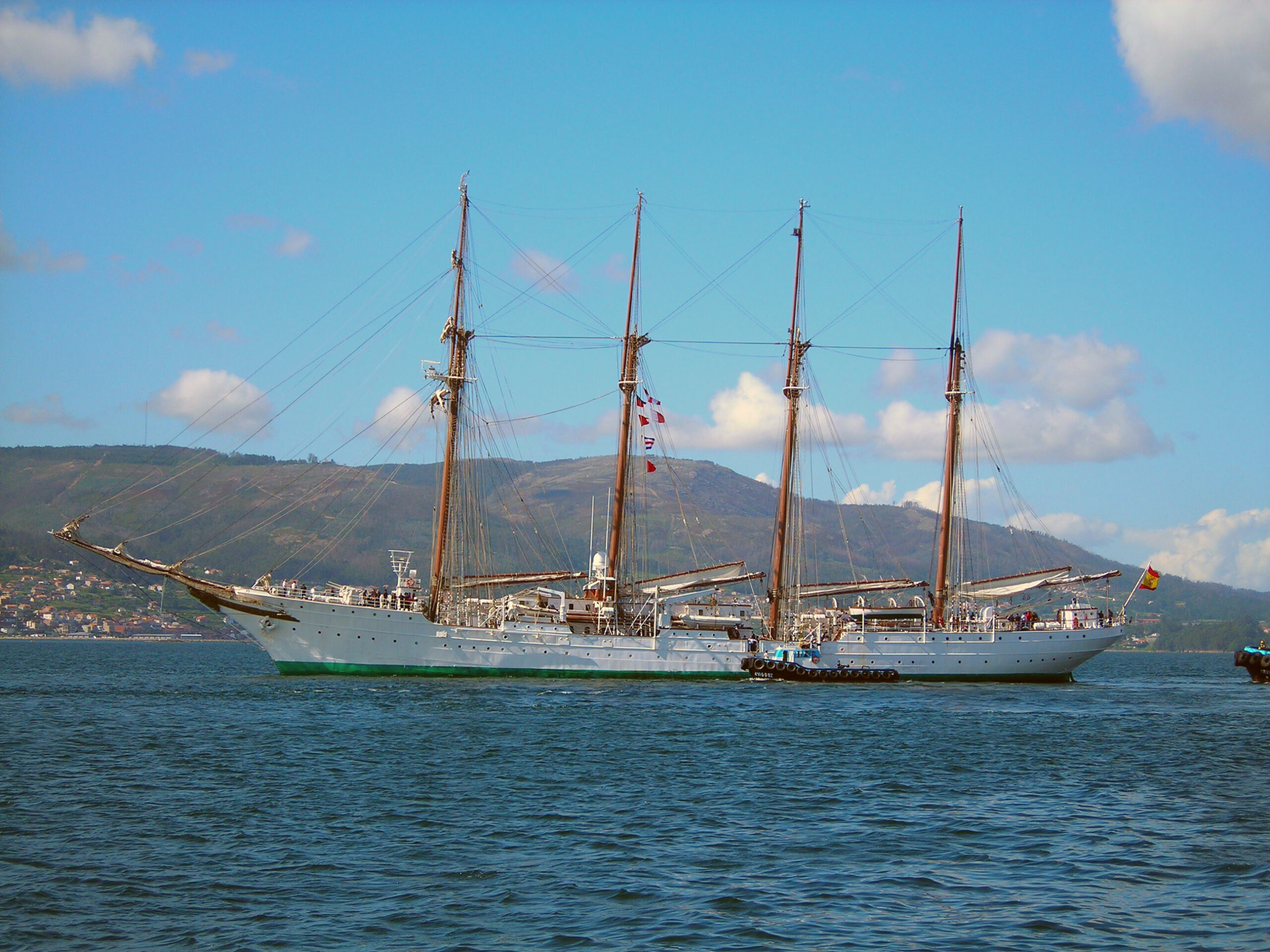 El Juan Sebastián Elcano a Pontevedra   W.C.