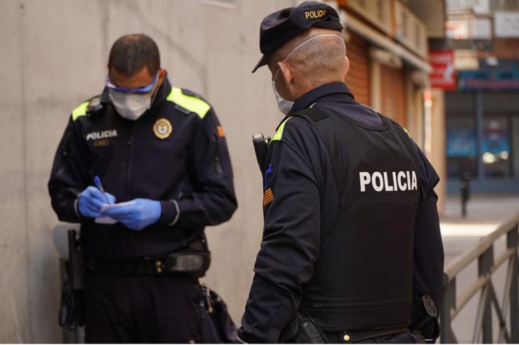 Efectius de la Policia Local de Lloret de Mar, en una imatge cedida aquest 18 de desembre del 2020 / ACN