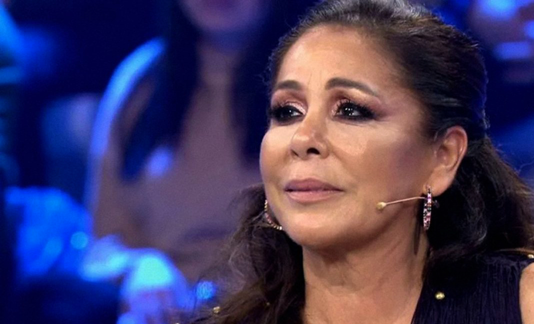 Isabel Pantoja s'emociona durant un dels programes d'Idol Kids / Telecinco