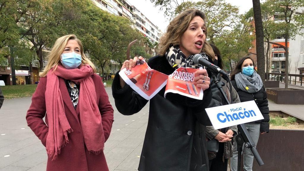 Àngels Chacón estripa propaganda d'Arran / PDeCAT