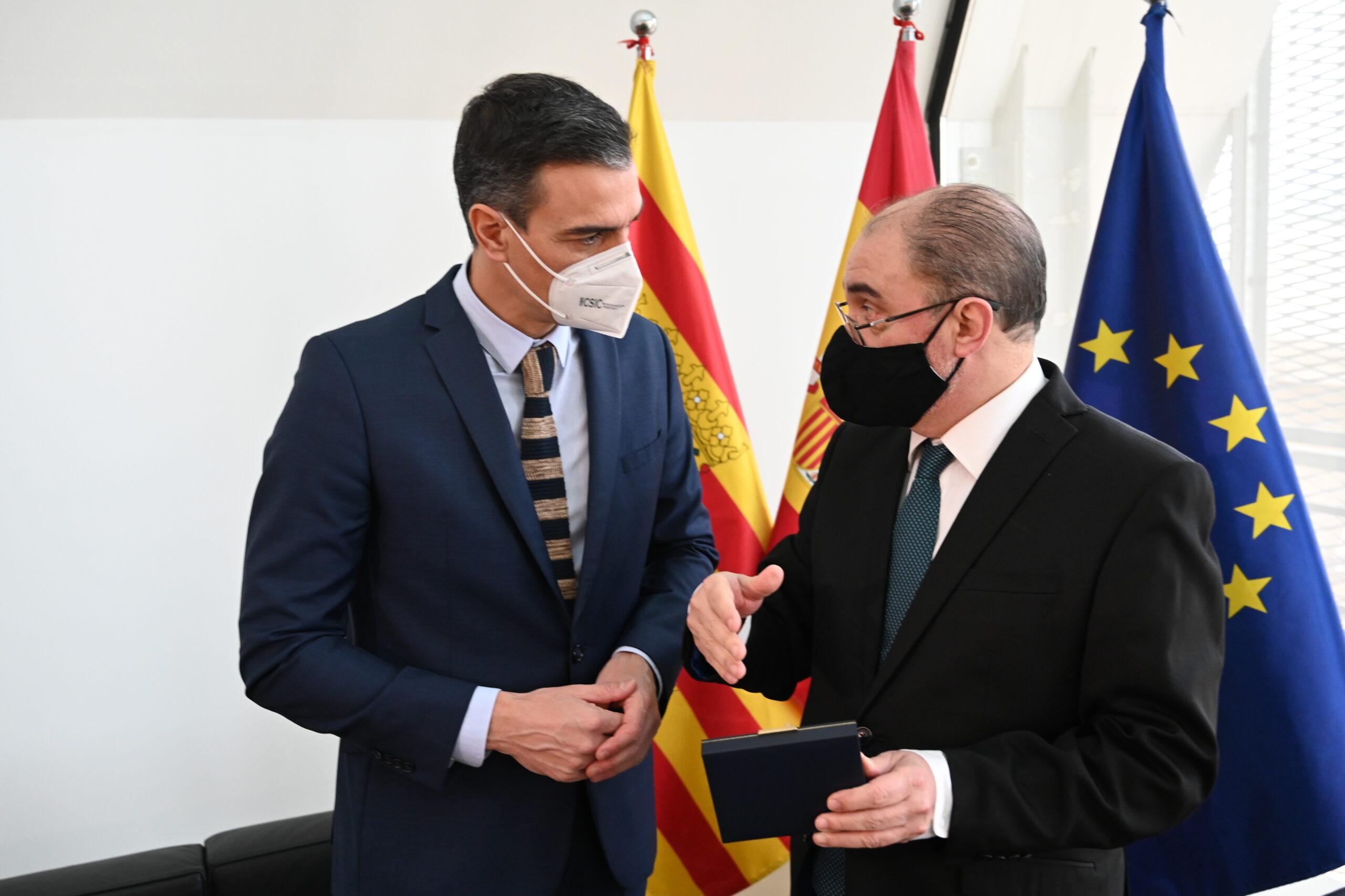 El president del govern espanyol, Pedro Sánchez, i el president del govern aragonès, Javier Lambán   ACN