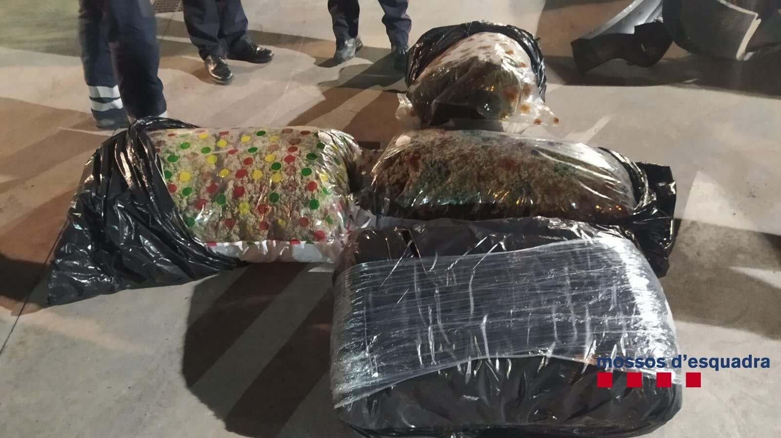 La droga que tenia al cotxe el detingut a Mollet del Vallès | ACN