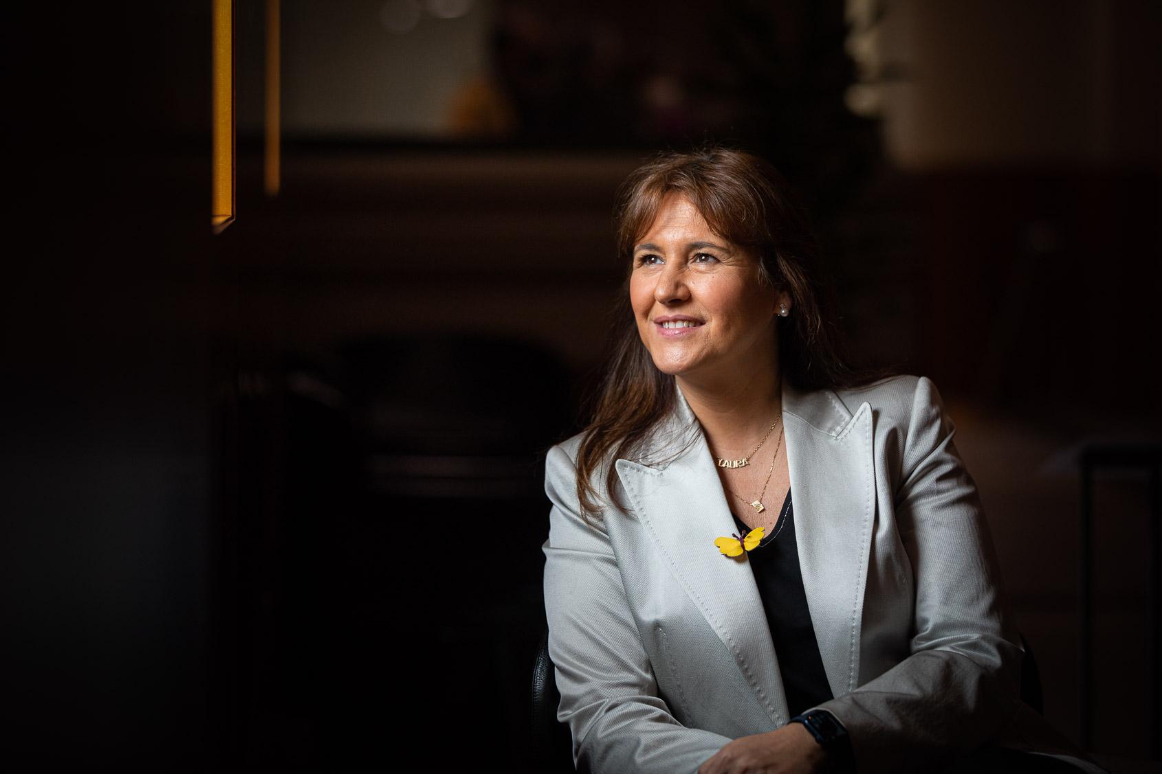 Laura Borràs, candidata a la presidència de la Generalitat per JxCat, durant l'entrevista amb El Món / Jordi Borràs