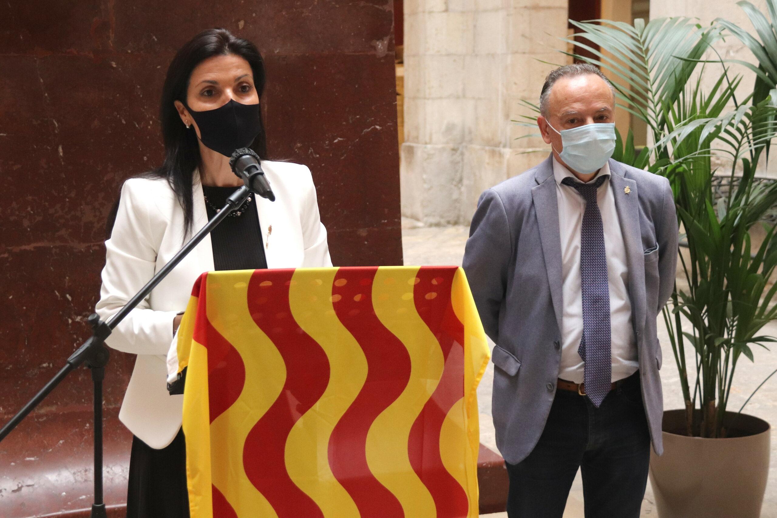 Els consellers de Tarragona Sonia Orts i José Luís Calderón, durant la roda de premsa on han anunciat que deixen Ciutadans /ACN