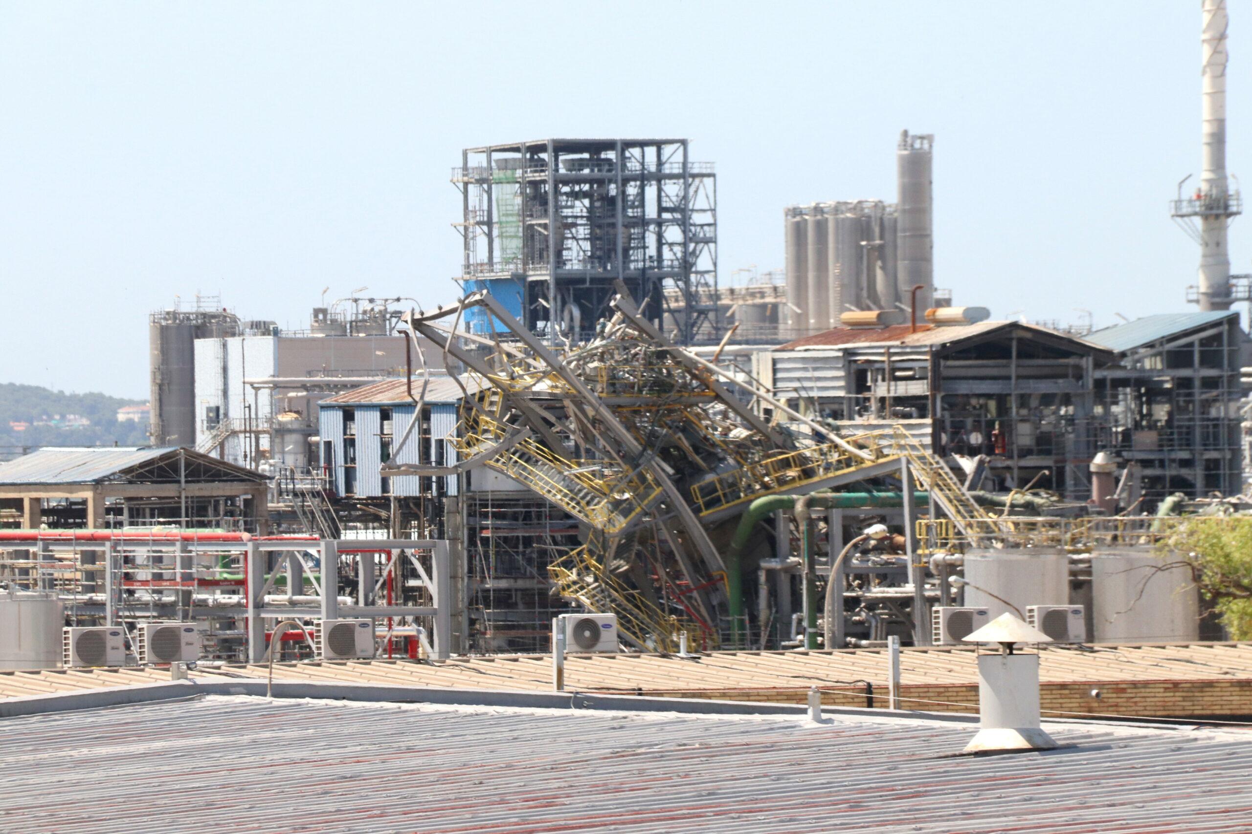 Zona on va explotar un reactor a la planta de derivats d'òxid d'etilè a les instal·lacions de l'empresa IQOXE a La Canonja, sis mesos després del sinistre | ACN
