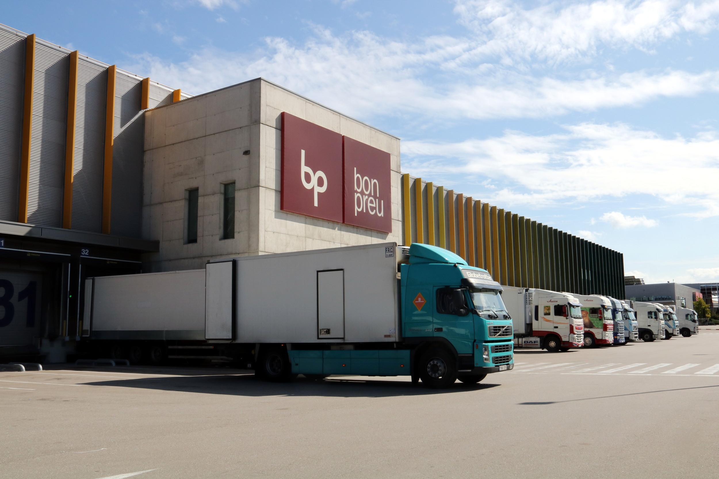 La façana del magatzem logístic que Bon Preu té a Hostalets de Balenyà, a Osona | ACN