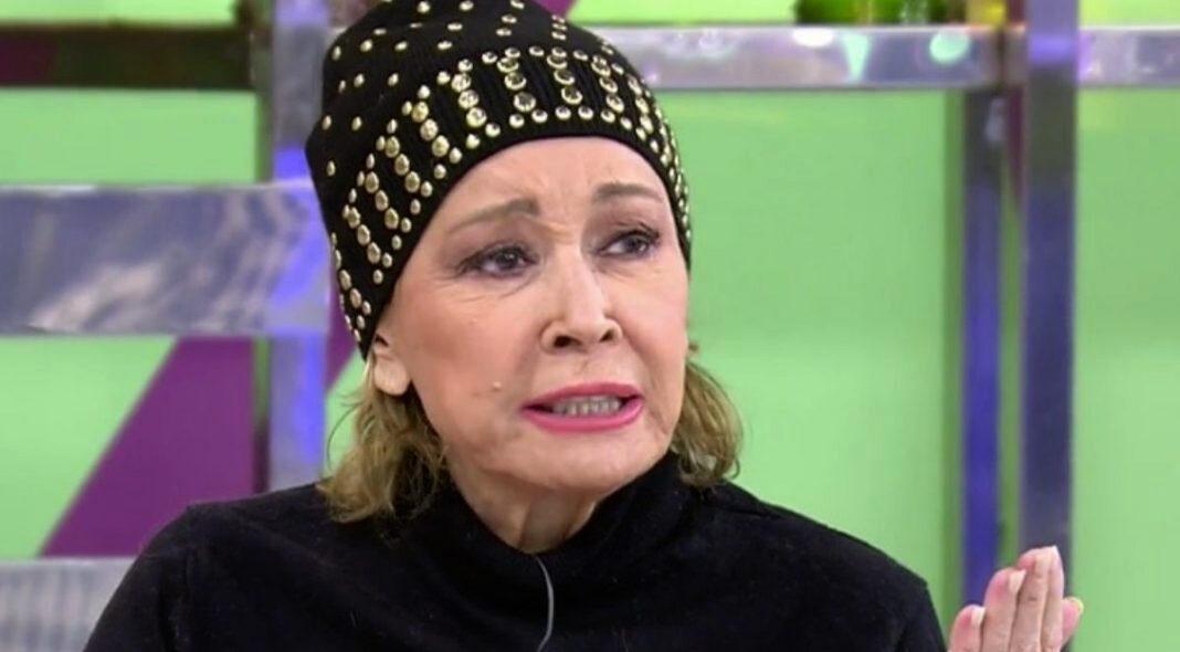 Mila Ximénez, amb barret / Telecinco