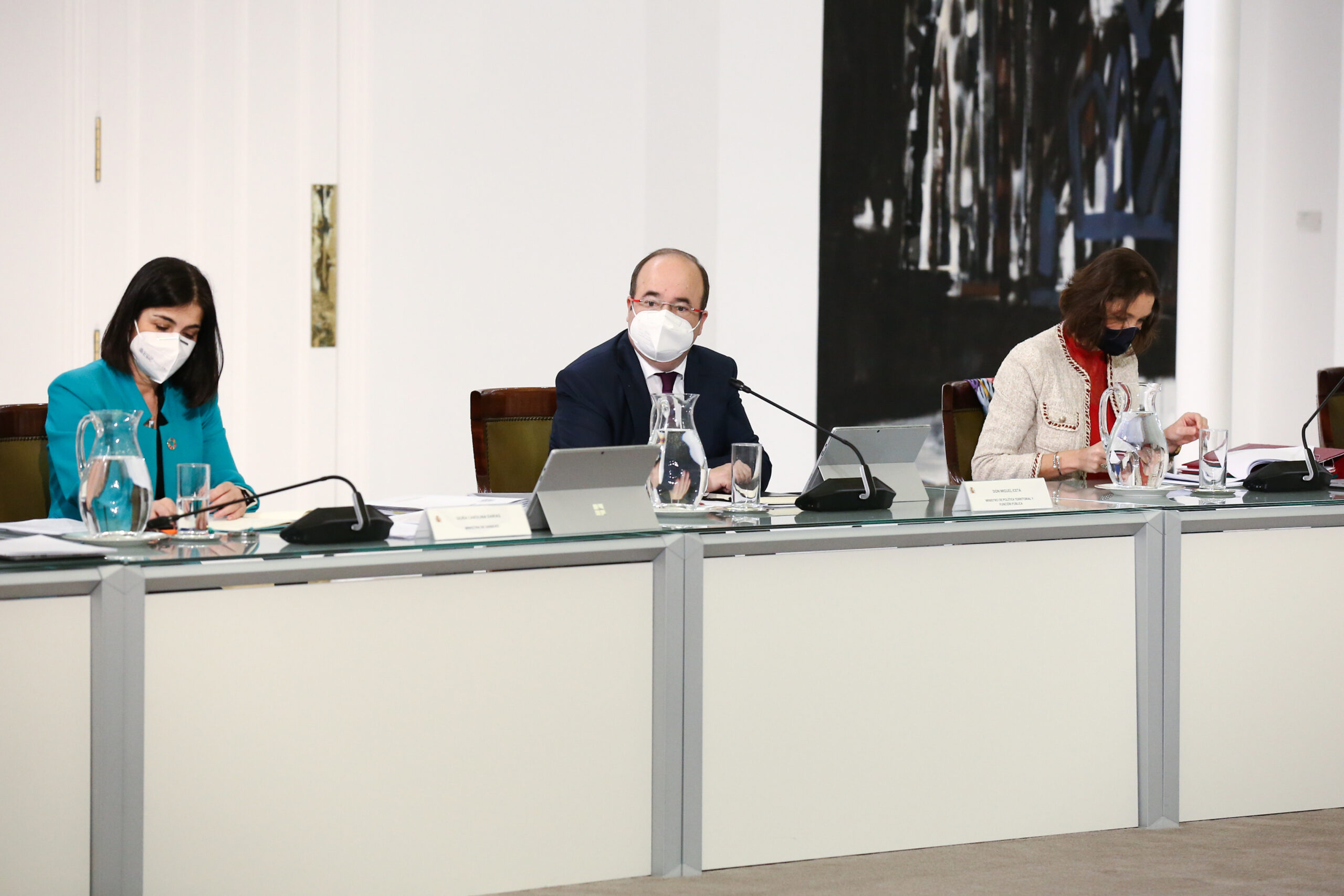 El primer secretari del PSC i ministre de Política Territorial, Miquel Iceta, assegut al seu primer Consell de Ministres el dia 2/2/2021 / ACN