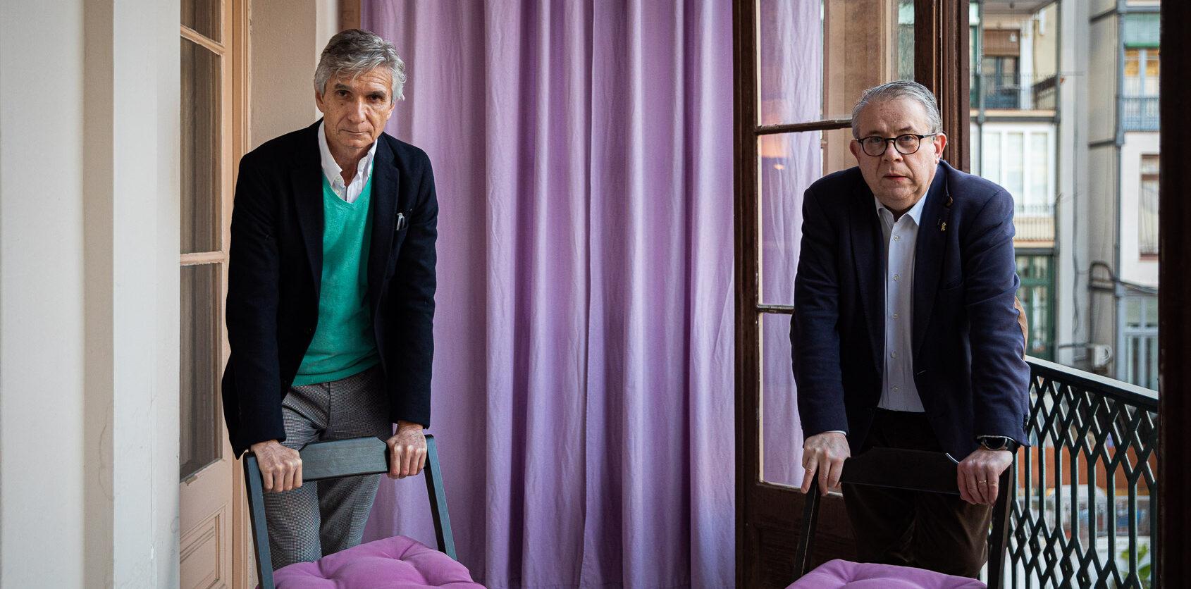 Els doctors Josep Maria Argimon i Jaume Padrós a la casa de la periodista Gemma Bruna / Jordi Borràs