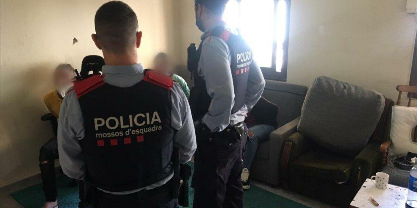 Detenció d'un dels tres presumptes lladres violents de Nou Barris / Mossos d'Esquadra