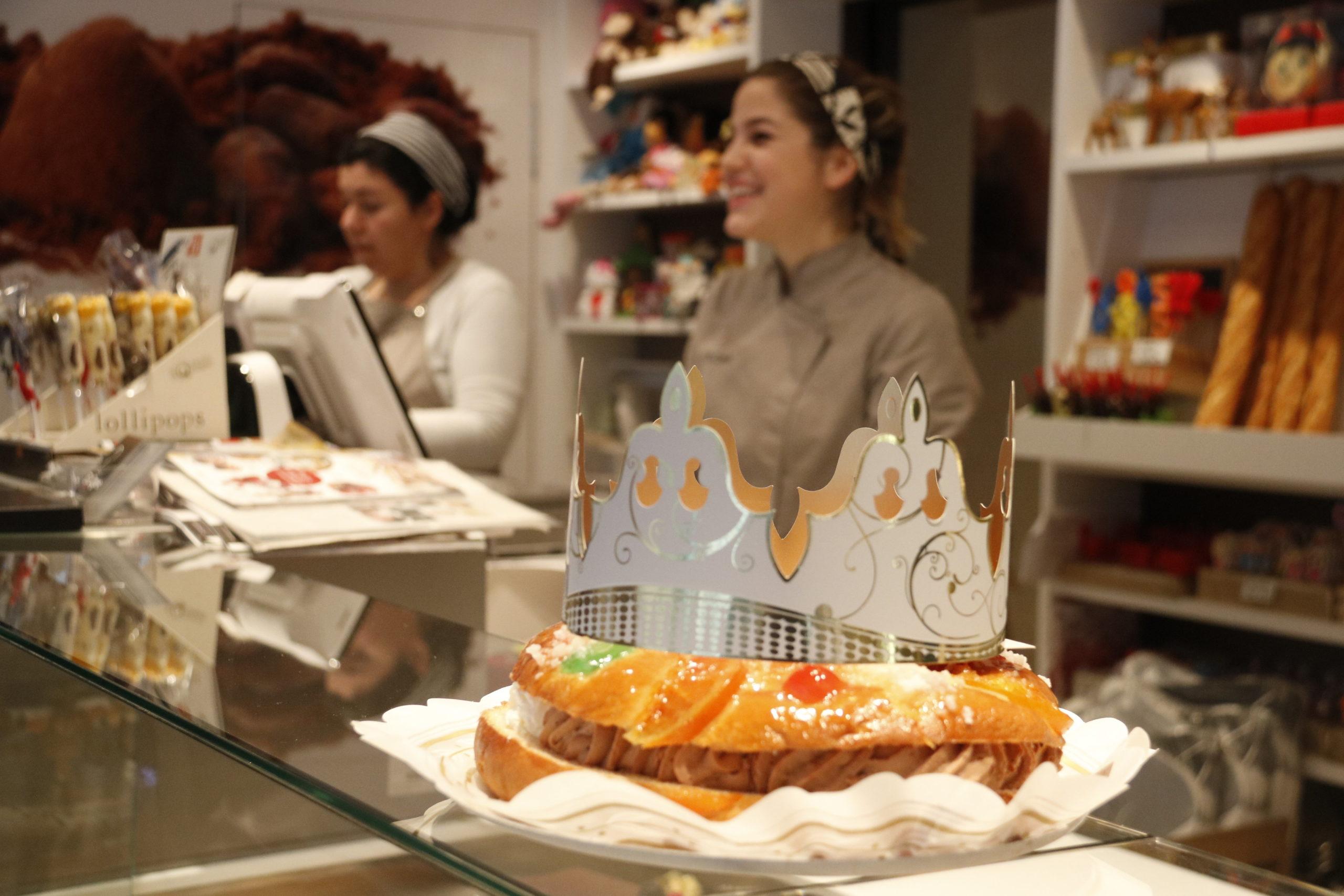 Un tortell ja acabat a la pastisseria El Cigne de Manresa | ACN