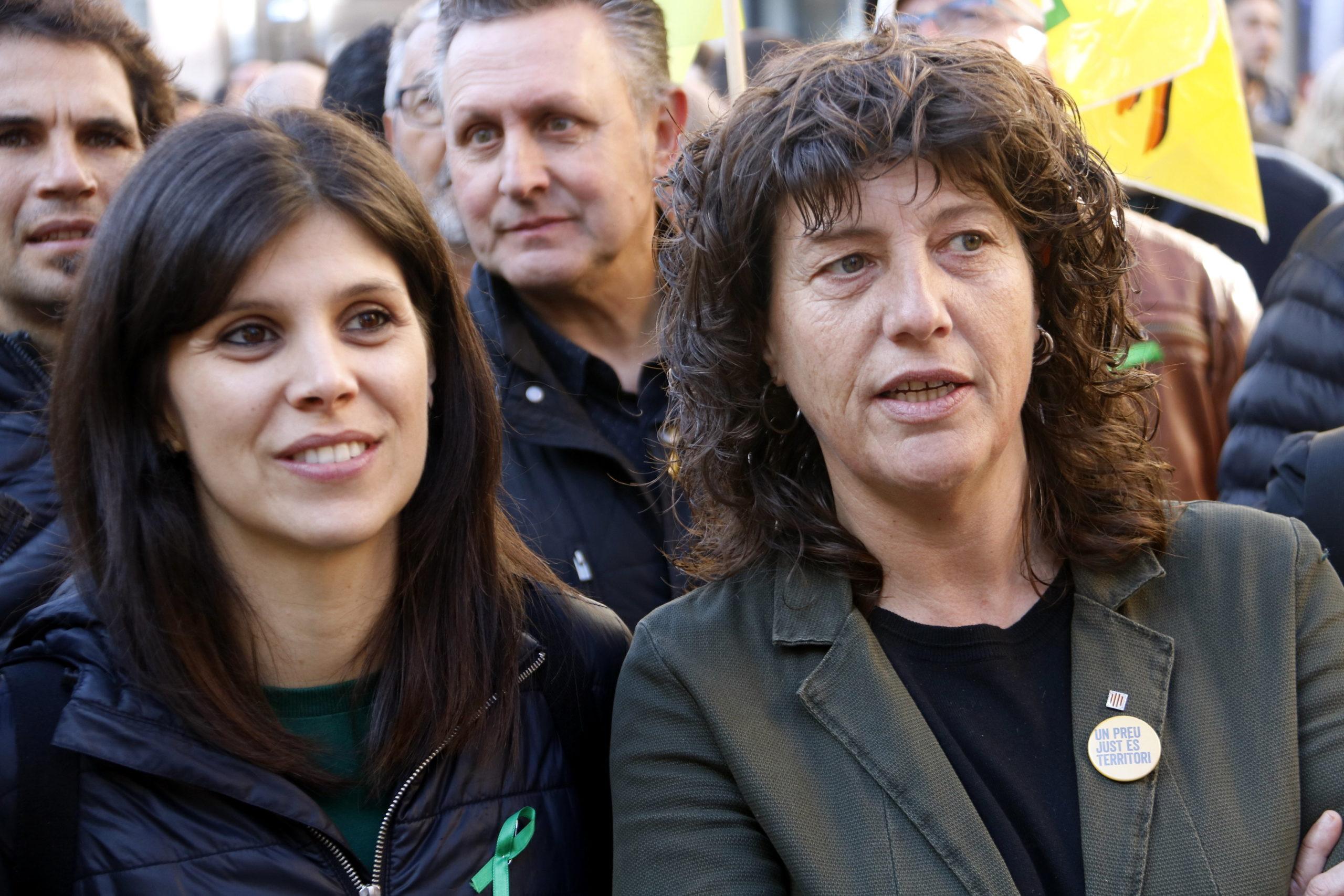 La consellera d'Agricultura, Teresa Jordà, i la secretària general adjunta d'ERC, Marta Vilalta, a la manifestació en defensa del món rural a Lleida | ACN