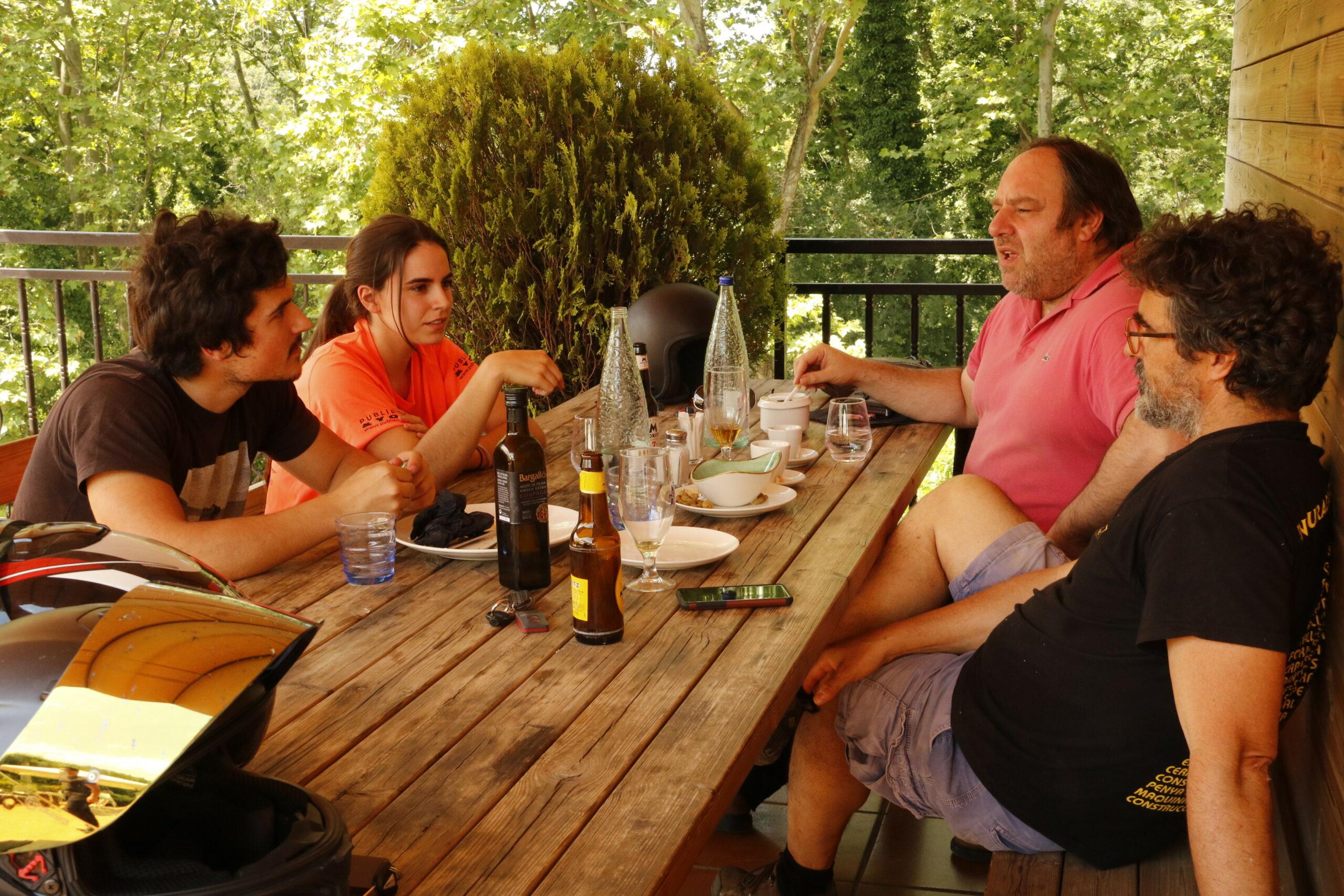Una taula del restaurant La terrassa de Campins | ACN