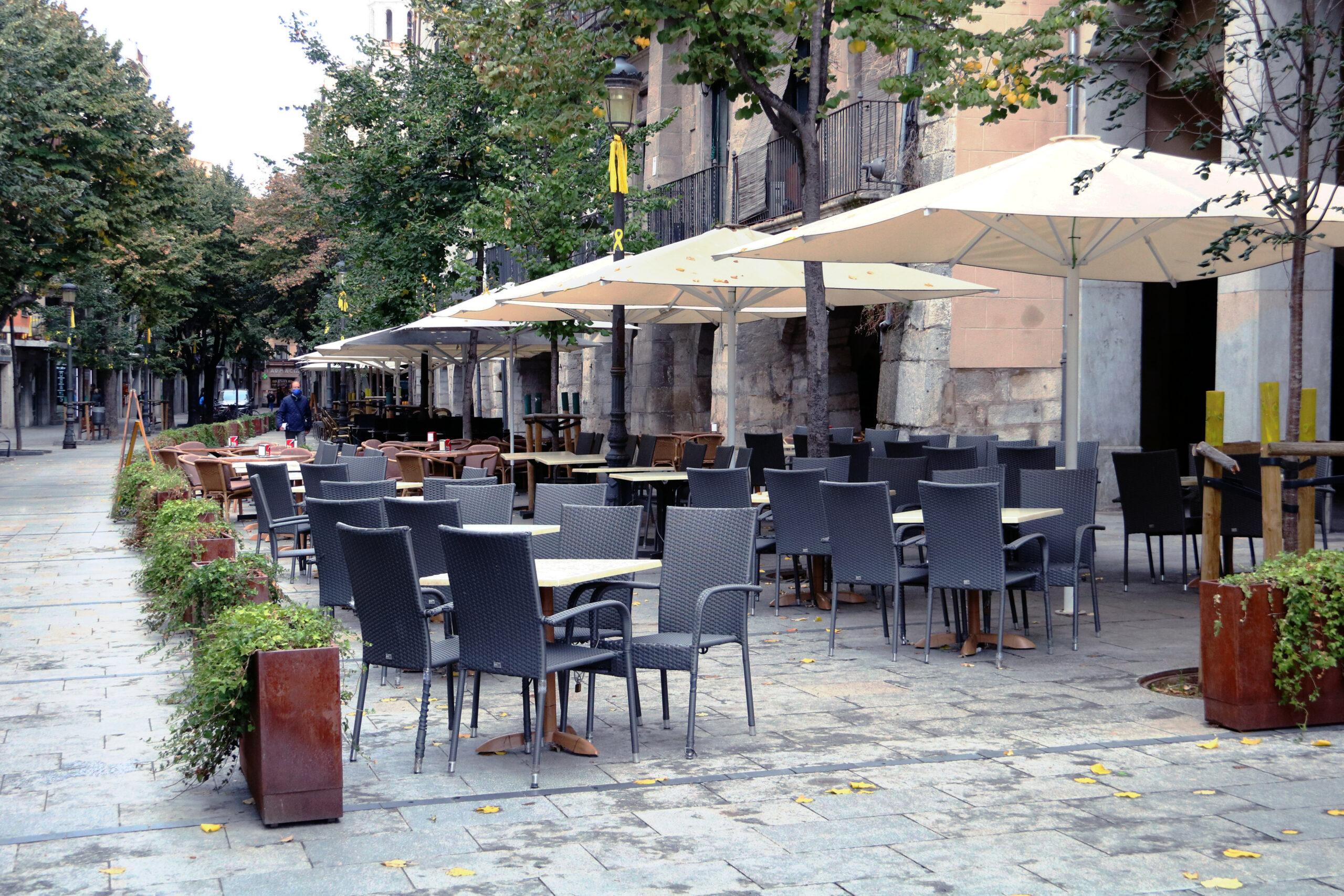 Una terrassa buida al centre de Girona | ACN