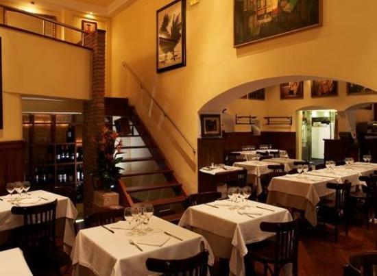 Menjador del restaurant Agut | Tripadvisor