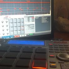 Akai Studio  2014 Серый