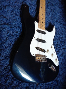 Fender Custom Shop Eric Clapton Signature Stratocaster Mercedes Blue 2007 синий