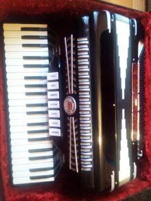 Imperial 120 bass как новый Черный
