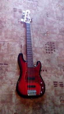 Squier Precession bass 2007