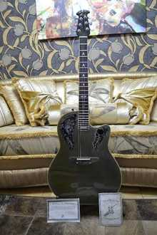 Ovation Collector 1988