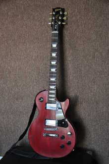 Gibson  Les Paul Studio faded cherry 2010