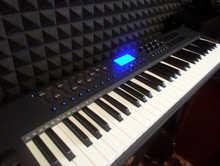 Миди Клавиатура M Audio Axiom 61 mk2. Пишешь Музыку? Посмотри.