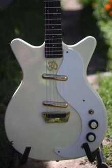 Danelectro '59  белый